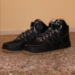 Men's Size 9.5 Nike Air Force Ones